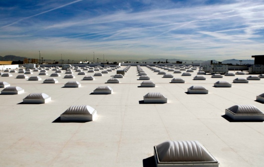 Walmart's white roofs and skylights on Las Vegas, image from Walmart via Creative Commons